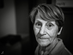 La mamma  sempre la mamma... (Francesco Agresti  www.francescoagresti.com) Tags: street portrait people mom photography sony streetphotography streetlife frankie mamma fotografia ritratto salerno nex nex3 sonynex francescoagresti s8un3no frankies8un3no francescoagresticom