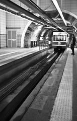 Tram (Maríon) Tags: street travel bw white black turkey nikon istanbul marion reise tyrkia supermarion nesje d7000 marionnesje