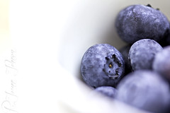 8/365 Days in Colour, ODC3 Energy (R Joanne) Tags: blue food macro canon energy johnson health r 60mm minimalism joanne blueberries 60d foodenergy 365daysincolour odc3