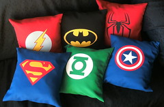 Almohadones superheroes (Lady Krizia) Tags: flash spiderman superman pillow superhero batman greenlantern captainamerica vinilo superhroes wilwarin estampado almohadon termoestampado