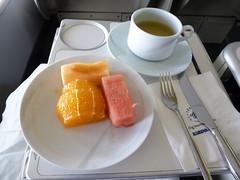 201208048 KE2707 GMP-HND breakfast (taigatrommelchen) Tags: food breakfast airplane inflight business meal kal koreanair b747400 hl7473 flyingmeals gmphnd 20120832 ke2707