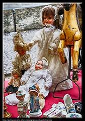 Bamboline (gallogiancarlo) Tags: ceramica photo fotografie photographic antica antiquariato hdr streetview antiche collezione gioco bambola mercatino vecchie giocattolo photoprocessing pulci bamboline elaborazionefoto