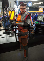 Gordon Freeman (uncle_shoggoth) Tags: life boston costume expo cosplay arcade gaming gordon convention penny half pax halflife hl2 costuming pennyarcadeexpo freeman geeky gordonfreeman paxeast2014