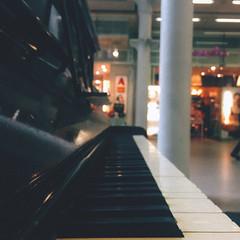 138/366 (abnormalbeauty.) Tags: city shadow music white black london station train lights perspective piano vanishing stpancras