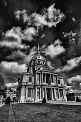 Hotel Des Invalides, Paris (Mattia Pianca) Tags: city travel sky urban blackandwhite cloud white black paris france monument monochrome hotel monocromo nikon key nuvole angle 10 monumento low wide wideangle tourist des awsome invalides cielo e napoleon 24 24mm nikkor tamron lowkey francia grandangolo bianco nero viaggio cloudporn biancoenero citt parigi turista mausoleo 1024 10mm 2016 d90 napoleone skyporn cloudsporn tamron1024