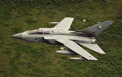 Low level in the Mach loop (Dafydd RJ Phillips) Tags: mach loop low level royal air force raf marham panavia tornado gr4 za463