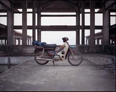 la muerta (gmacmt) Tags: abandoned film analog mediumformat vietnam motorcycle 6x7 moped portra wideopen portra400 pentax67 hondadream 105mm24 trashbagfender