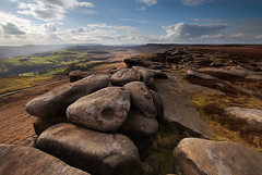 Sweeping Light at Stanage Edge (andy_AHG) Tags: rural outdoors evening spring rocks peakdistrict scenic moors pennines stanageedge britishcountryside northernengland landscapephotography beautifullandscapes