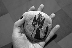 Rayando piedras (Anita Mejia) Tags: black art illustration pen ink cat drawing pluma mingus tinta froo chocolatita anitamejia