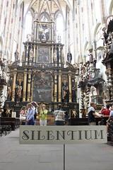 IMG_8789 (Drantcom) Tags: city trip travel czech prague kirche prag praha tschechien altar schild stadt silencio kapelle stille citytrip cesko silentium citytravel tschechei stdtereise