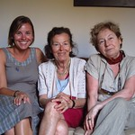 "Claudia with Gabriela and Valeria <a style=""margin-left:10px; font-size:0.8em;"" href=""http://www.flickr.com/photos/14315427@N00/7511997974/"" target=""_blank"">@flickr</a>"