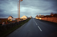 Sunrise (Adam Chin) Tags: scotland zeissikon isleofislay kodakportra400 zeissbiogon35mm20