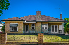 Bricks of Many Hues: Suburban Colour? (Pauls-Pictures) Tags: street family houses homes house home architecture garden suburban families suburbia australia victoria architectural suburb residence comfort accomodation streetphotos echuca streetpics streetphotograhy suburn streetpictures