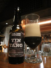 Evil Twin Yin & Yang (Bernt Rostad) Tags: beer oslo norway norge ale bier yinyang birra brewpub l eviltwin microbrewery mikrobryggeri blackipa schouskjellerenmikrobryggeri schouskjelleren eviltwinbrewing bryggeripub eviltwinyinyang