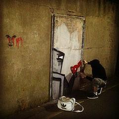 goon snapping me in action... (Lisk Bot) Tags: street city streetart art painting graffiti robot birmingham center robots piece goon bot lisk liskbot reblegunslingers