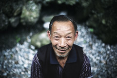 -People in China- (smithmakaay) Tags: portrait 50mm dof strangers elder chengdu sichuan   makaay peopleinchina 5dmarkiii gettyimageschinaq1 gettyimageschinaq12012