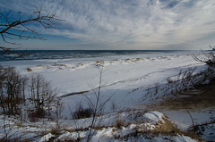 The Break Up from the Ridge (Tom Gill.) Tags: lake ice beach frozen michigan dunes dune indiana shelf national lakeshore vision:outdoor=0987 vision:sky=0955 vision:ocean=0877 vision:clouds=0881