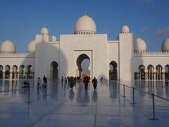 Sheikh Zayed Mosque (wesbran) Tags: uae abudhabi unitedarabemirates persiangulf grandmosque  sheikhzayedmosque