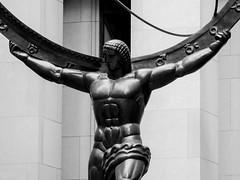 Atlas (THE ARCH1) Tags: nyc newyorkcity sculpture ny newyork statue rockefellercenter atlas sculptor newyorkny leelawrie renepaulchambellan