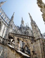 Duomo halfway roof (Romain Vernoux) Tags: italy panorama sculpture milan architecture italia cathedral milano gothic duomo shape gothique italie forme cathedrale
