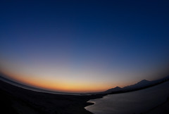 Sunrise over the mouth of Hino River (Yohsuke_NIKON_Japan) Tags: morning japan sunrise nikon earlymorning fisheye tokina tottori yonago sanin daisen    seaofjapan      hinoriver d3100