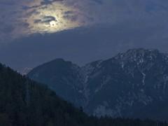 notte (conteluigi66) Tags: nuvole ombra luna notte luce buio luigiconte