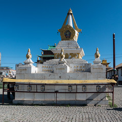 Gebetsmhlen im Gandan-Kloster 1x1 (swissgoldeneagle) Tags: mongolia prayerwheel mn ulaanbaatar 1x1 prayerwheels ulanbator mongolei gebetsmhlen gebetsmhle rx100    gandantegchinlenmonastery gandankloster  rx100m4