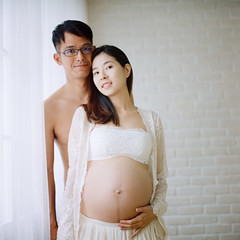 () Tags: light portrait 120 6x6 tlr rolleiflex zeiss square kodak bokeh taiwan carl taipei portra800  28e  pregnancy