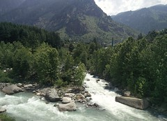 Beas river - Manali (Amit Natural) Tags: mountains nature water river landscape flow rocks manali furious beas rohtang landscaps