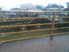 rain (fanafanii) Tags: rain drops blackberry chuva ponte gotas celular manaus 9700 bold amazonas fana fanii afanali