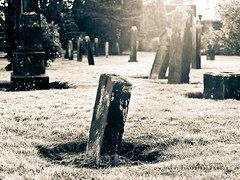 Dead quiet (w.mekwi photography [on the road]) Tags: light bw scotland gravestones valeofleven graveyear deadquiet nikond7000 wmekwiphotography bonhillchurch mekwicom