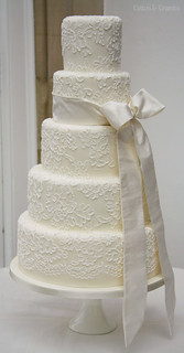brush embroidered wedding cake by Cotton and Crumbs
