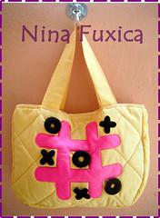 amarela (nina_fuxica) Tags: vintage hipster velha feltro bolsa jogo retr mala moderna sacola jogodavelha ninafuxica nincafuxica