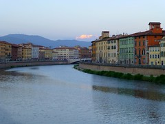 The river Arno in the centre of Pisa, Ita