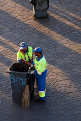 Marrakesh, Morocco, 2008 (Photox0906) Tags: africa blue sunset yellow jaune place bleu morocco cap maroc marrakech maghreb afrika casquette marrakesh garbagecan coucherdesoleil poubelle aurore afrique sweeper pavs northernafrica marocain afriquedunord afrik pavestones balayeur placejemaaelfna