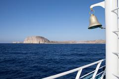 croisire (DidierB77) Tags: blue sea mer water island ile bleu creta greece crete bateau paysages grece cloche rochers eauclaire montagnes rivage mditerrane croisire navire balos kissamos