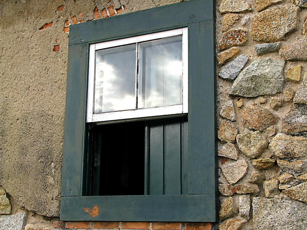#674B2F fortaleza santacatarina reflexos pedras janelas vidros veraalvarenga 1580 Vidros Janelas Fortaleza