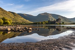 *Loch Awe @ Kilchurn Castle* (albert.wirtz) Tags: castle water sunrise mirror see scotland nikon argyll may ruine mai sonnenaufgang spiegelung springtime frhling schottland lochawe bute burgruine kilchurncastle riverorchy a819 d700 albertwirtz