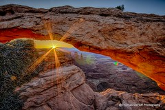 Mesa Arch as the Sun peaks over the horizon (Thomas DeHoff) Tags: park sunrise utah arch sony national canyonlands mesa starburst a580