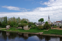 Noutre (Indre-et-Loire) (sybarite48) Tags: france castle church rio ro river dorf village fiume pueblo iglesia kirche rivire chiesa igreja castelo schloss fluss castello glise  kerk castillo dorp kasteel ky aldeia rivier kilise nehir koci zamek    rzeka  villaggio  indreetloire   chteaufort     wie      noutre   birkale
