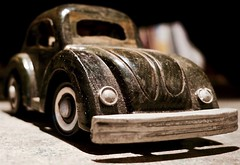 Old toy (•Nicolas•) Tags: anythinggoes macromondays toy car cox voiture wood jouet vw nicolasthomas yvelines france bumper parechoc bois wheels roues headlight phares old ancien plywood contreplaqué