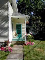 porch Vermilion OH (mr clickit) Tags: ohio summer porch bluedoor vermilion slatesidewalk