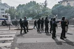 Paris - Grève Génèral (Melissa Favaron) Tags: france police gas strike francia parigi polizia sciopero clashes banlieu casseur feriti scontri lacrimogeni blessés scioperogenerale grevegeneral 140616 loidutravail grevenational