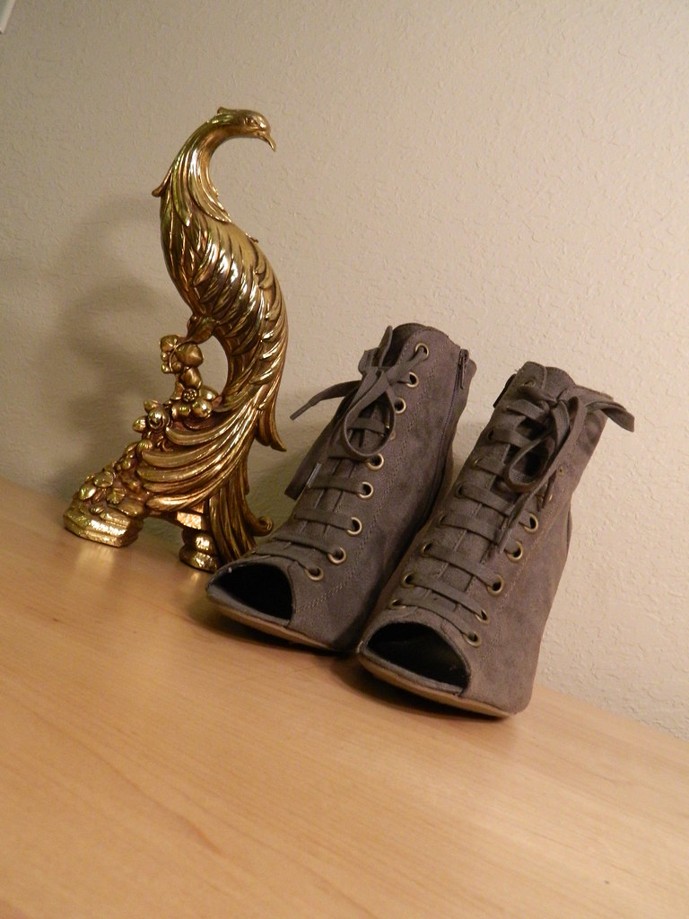 The World's Best Photos of payless and shoes - Flickr Hive Mind