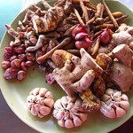 "Root Spices <a style=""margin-left:10px; font-size:0.8em;"" href=""http://www.flickr.com/photos/14315427@N00/6967051430/"" target=""_blank"">@flickr</a>"