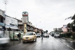 Vita cittadina (Pompilio Valerio) Tags: blur car rain speed movimento pioggia macchina velocit pescara montesilvano