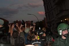1.Mai Berlin 2012-9476 (Christian Jäger(Boeseraltermann)) Tags: berlin demonstration feuer polizei brutal 1mai pyros barrikaden schläge pyrotechnik polizeigewalt festnahmen tritte schwerverletzt christianjäger wawe10000 boeseraltermann 017634423806
