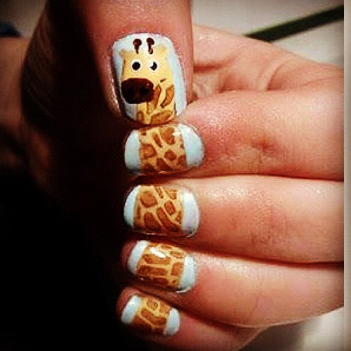 How cute is this! Picture seen on our Pinterest! #nails #nailart #nailtrend #girly #trend #trendy #love #heart #animal #giraffe #instagram #photogram #webstagram #photo #love #heart #popular
