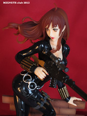 BLACK WIDOW Covert Ops Ver. 012 (mixnuts club) Tags: statue fetish comics dc gun rubber figure spy blackwidow spygirl secretagent rubbersuits