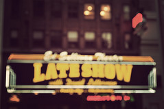 Late Show (Virginia Gz) Tags: lateshow davidletterman edsullivantheater nyc broadway newyork ny unitedstates newyorkcity manhattan bokeh blurry neon neonsign